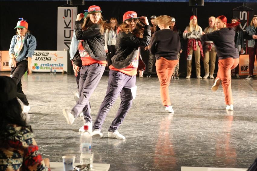 Elin och Anna tävlar i duo-kategorin för vuxna... De hade gjort koreografin själva och de var jätteduktiga! Tyvärr gick de inte vidare...